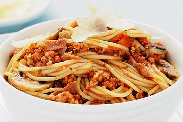spaghettis la bolognaise recette rapide recettes. Black Bedroom Furniture Sets. Home Design Ideas